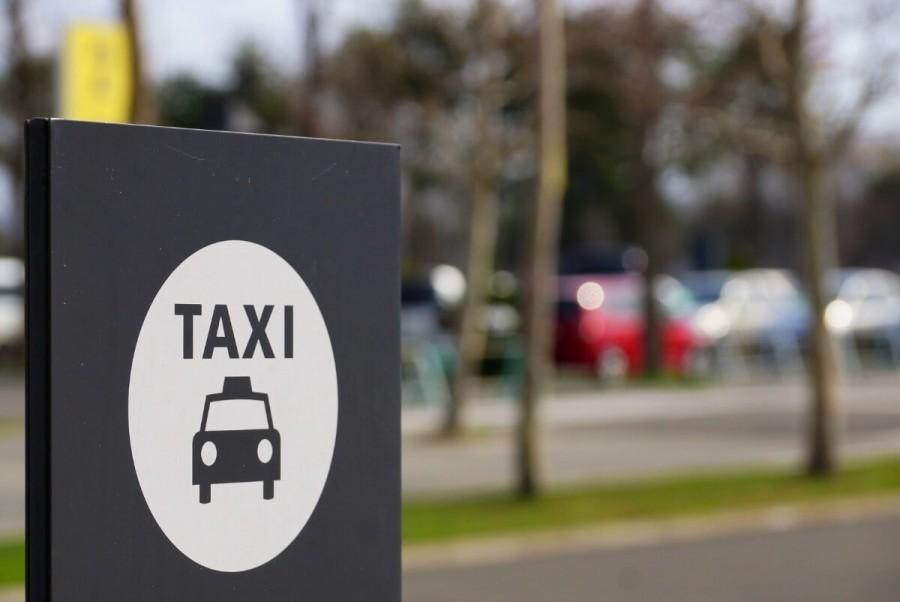 ニュージーランド チップ タクシー