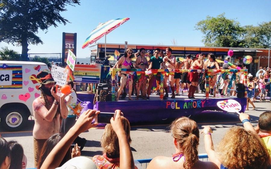 バンクーバーのゲイパレード「プライド」