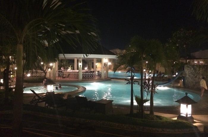 ウォーターフロントホテルのプール