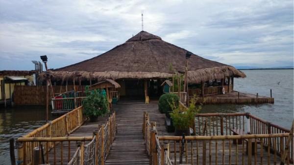 セブ・マクタン島にある水上レストラン、Lantaw Floating Native Restaurant