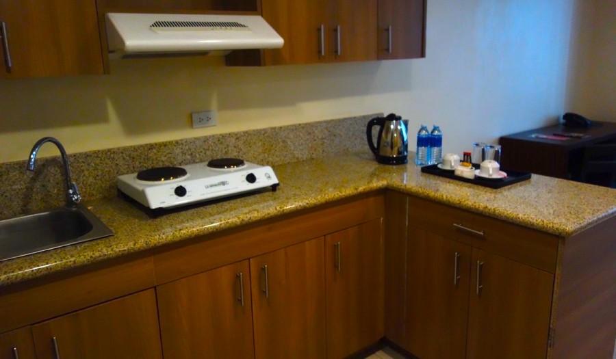 クラウンリージェンシーホテルの室内キッチン