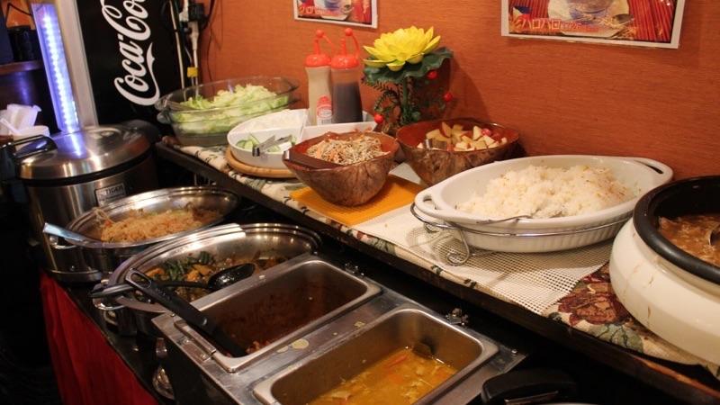ニューナナイズのフィリピン料理ブュッフェ
