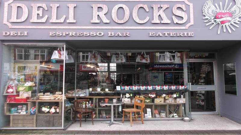 ボーンマス カフェ Deli Rocks(デリロックス)