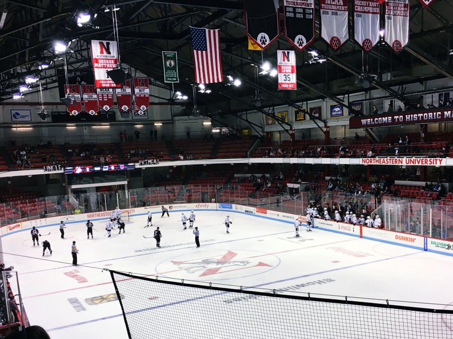 ボストンでのアイスホッケーの試合観戦