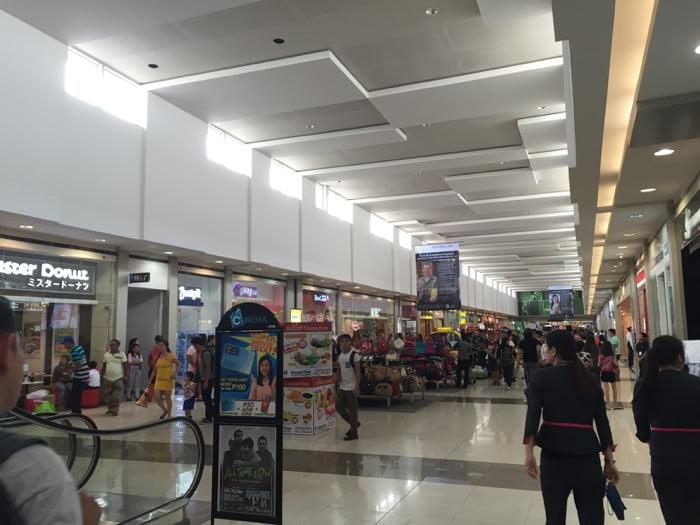 SM Mart の入り口
