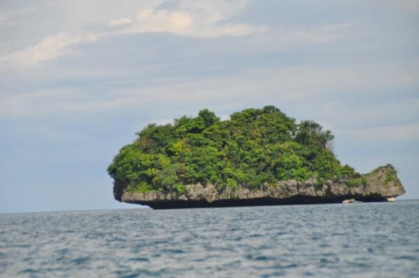 ハンドレッドアイランズの変わった形の島