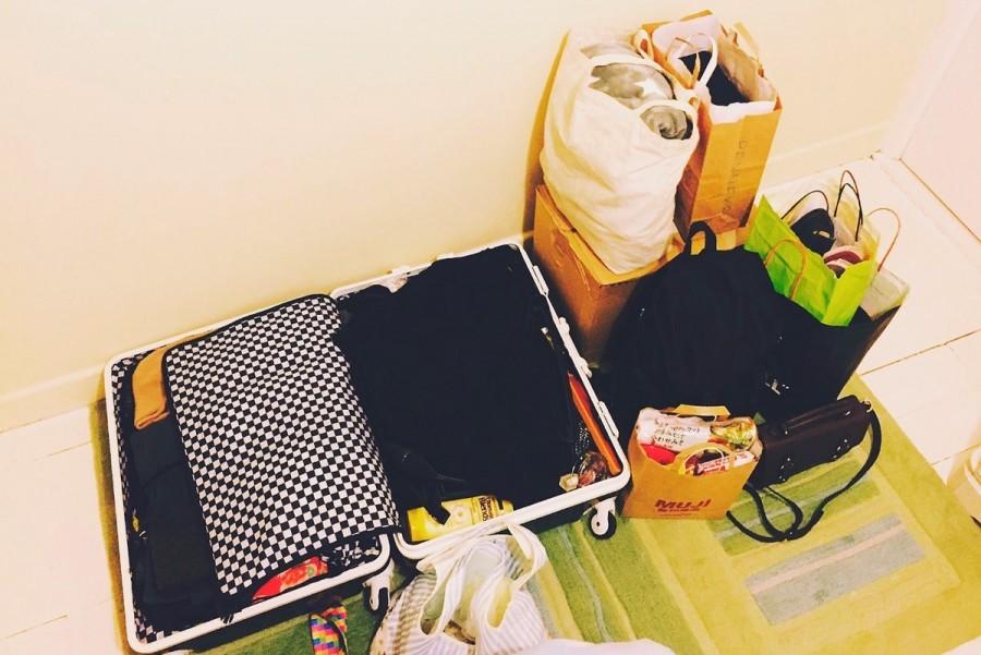 出発前日のスーツケース