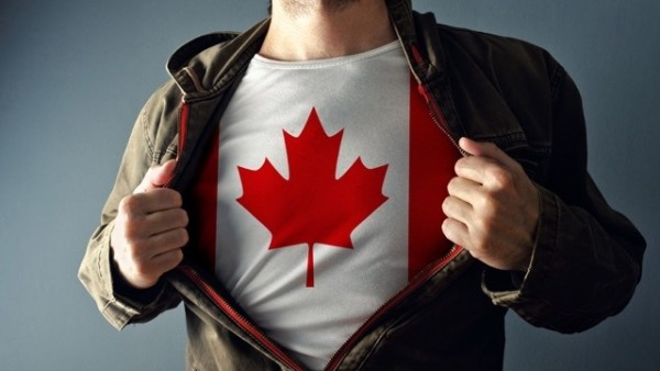 カナダのメープルマークTシャツ