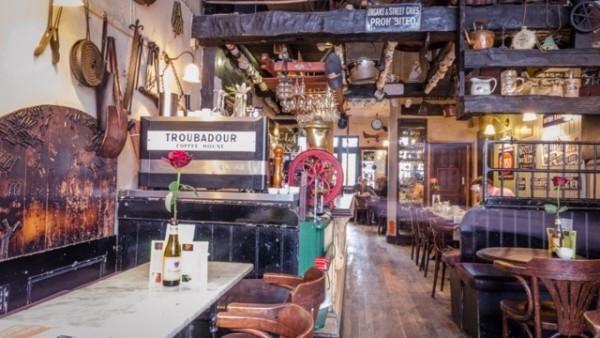 イギリスの観光地トルバドール・カフェ