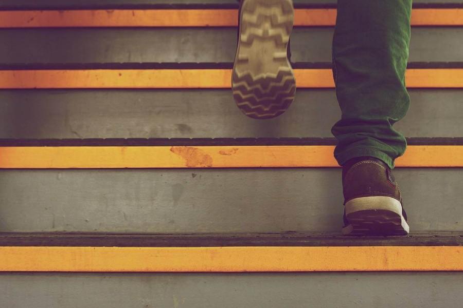 親に留学を反対されたら諦めるべきか