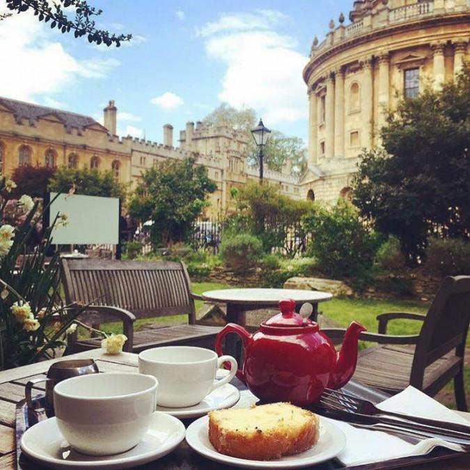 オックスフォード カフェ Vaults & Garden Cafe(ヴォールツ&ガーデンカフェ)