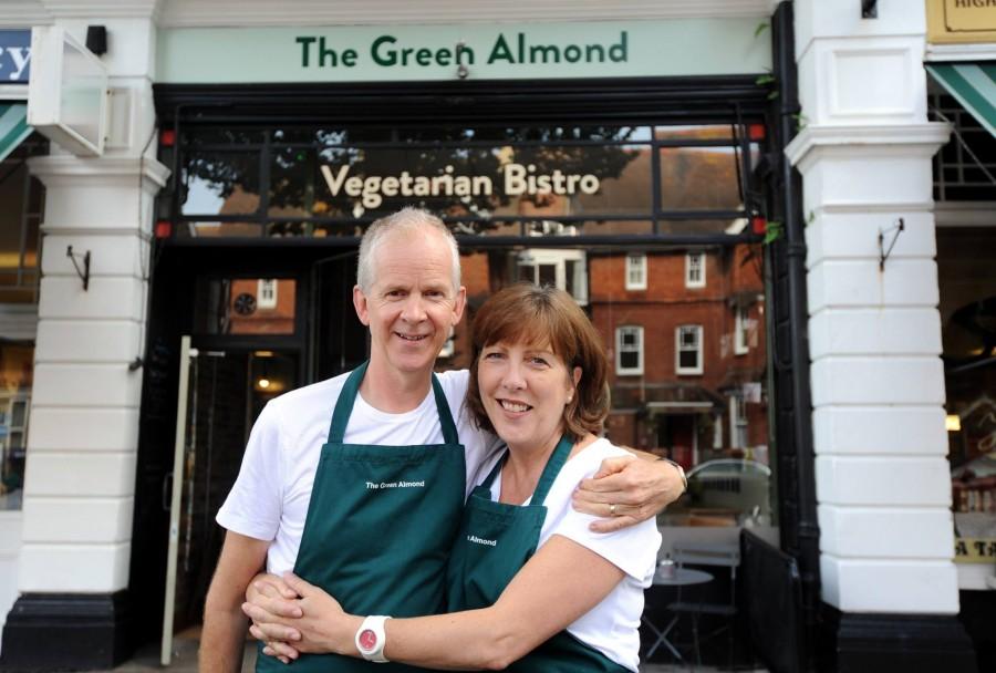 イーストボーン カフェ The Green Almond