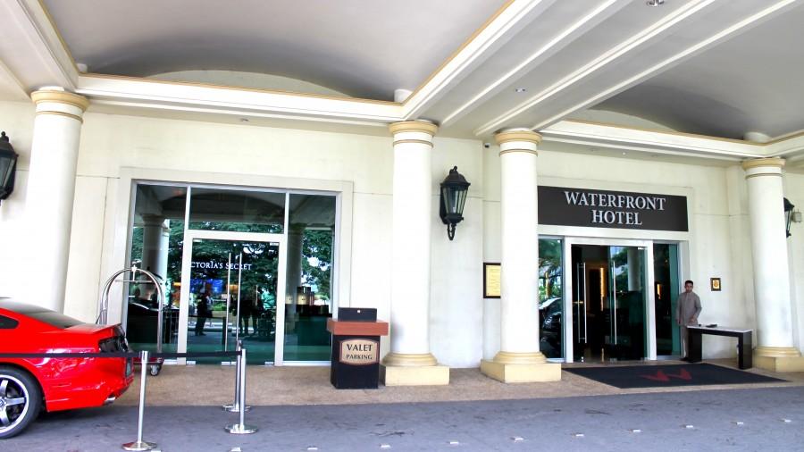ウォーターフロントセブシティホテル&カジノの入り口
