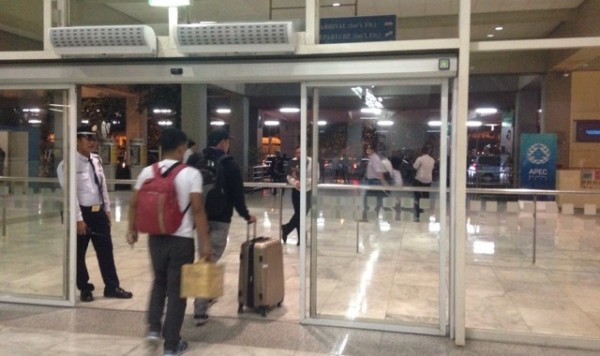 マニラ空港出口