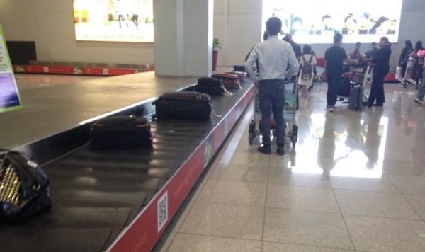 マニラ空港到着ロビー