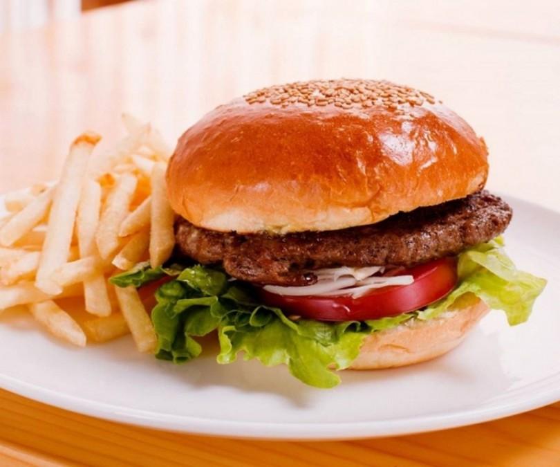 アメリカの食べ物ハンバーガー