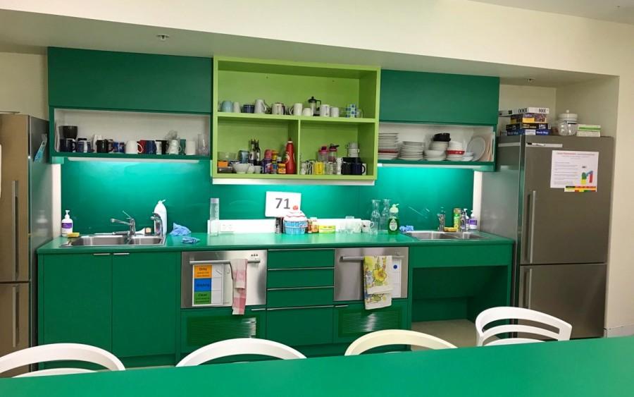 オーストラリアでの職場のキッチン
