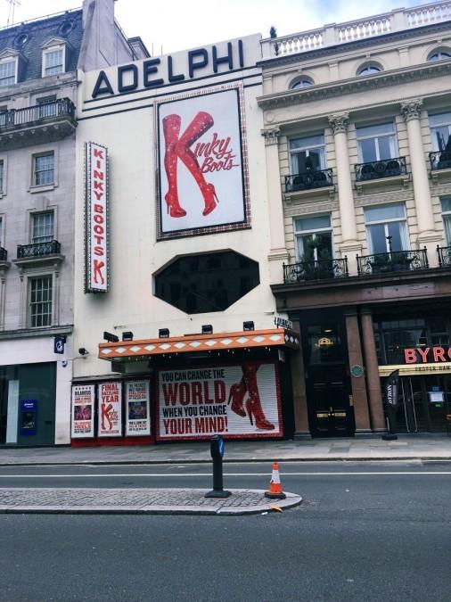 ロンドンのミュージカル劇場