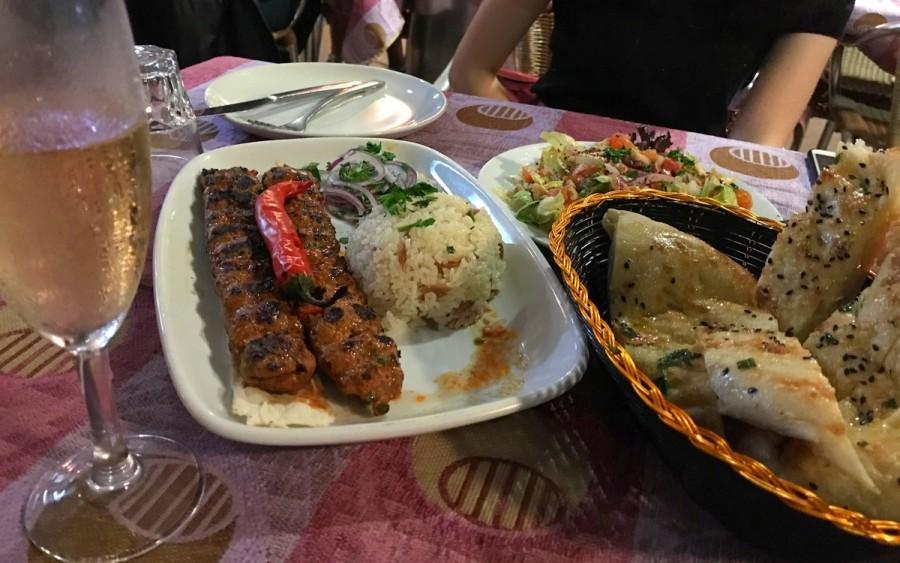 Ahmet'sのターキッシュブレッドと、ターキッシュケバブ
