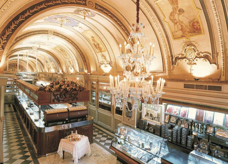 セントジュリアン カフェ Caffe Cordina(カフェコルディナ)