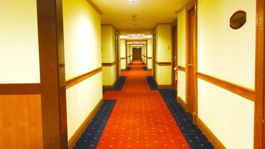 ウォーターフロントセブシティホテル&カジノ内の廊下