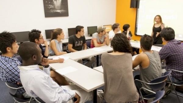 ニューヨークの語学学校のグループレッスン