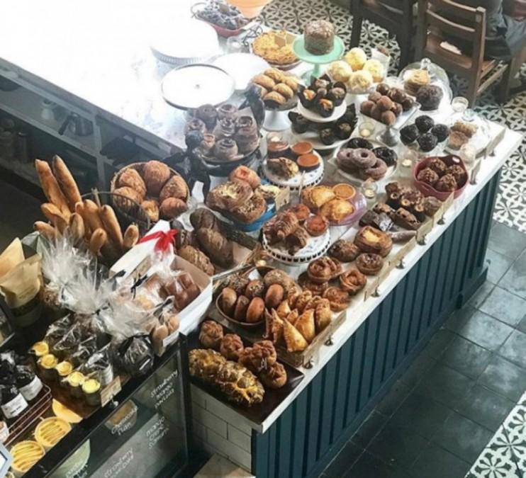 マニラ カフェ Wildflour Cafe + Bakery