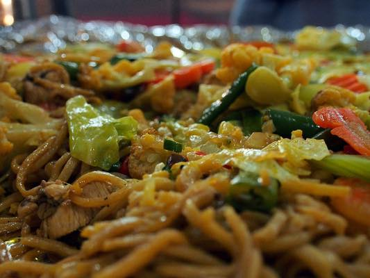 フィリピン 料理 パンシットカントン