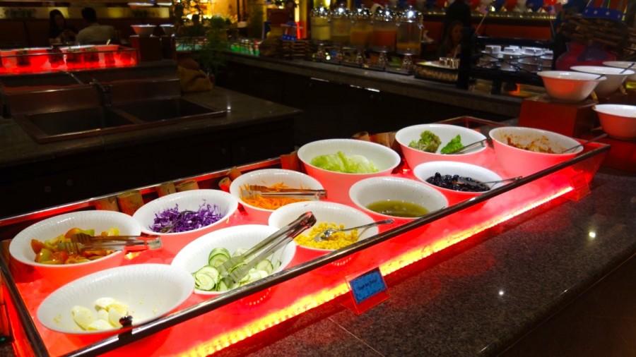 インターナショナルレストラン「UNO」のサラダバー