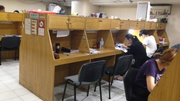 フィリピン留学中の自習室