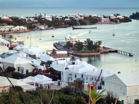 バミューダ島の古都セント・ジョージと関連要塞群