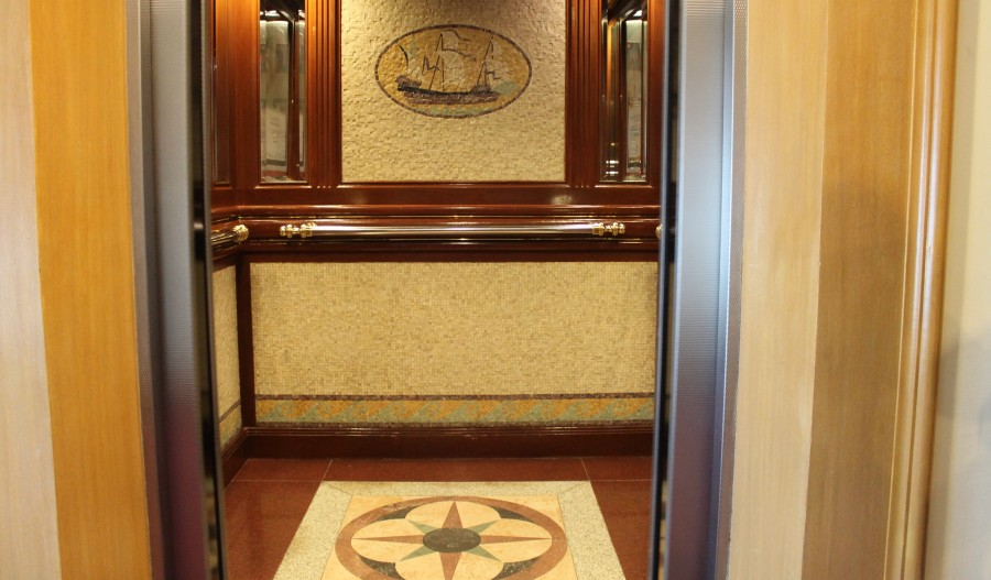ウォーターフロントセブシティホテル&カジノのエレベーター