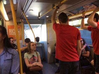 バンクーバー、電車内の様子