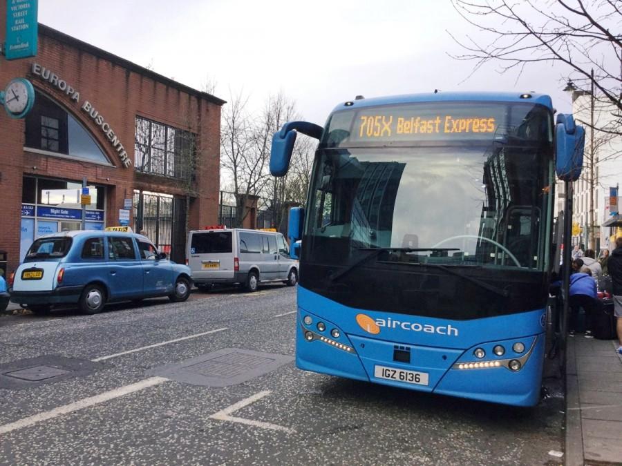 AirCoachのバス