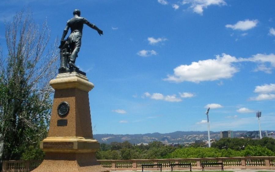 モンテフィオーレヒル(Montefiore Hill)のライト大佐の銅像