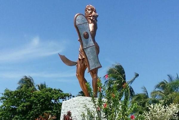 セブ島のラプラプ像