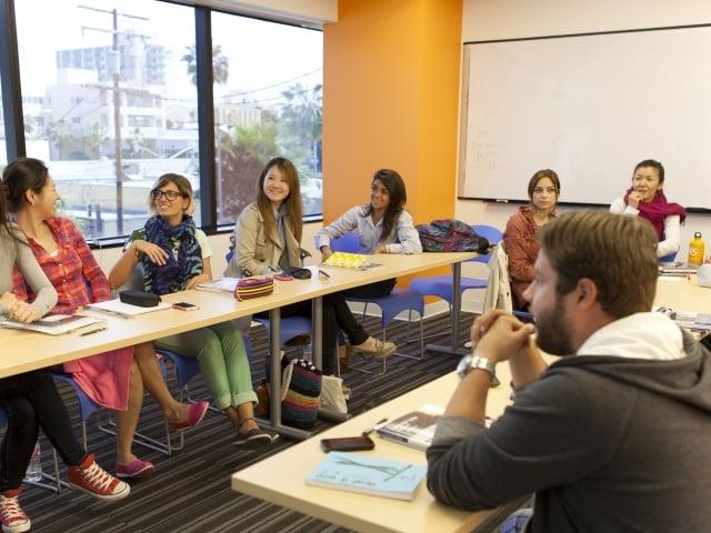 アメリカ 語学学校 EC ロサンゼルス