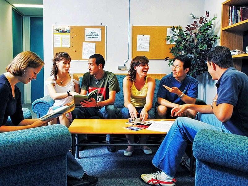 オタワ 留学 デメリット 学校の選択肢が少ない