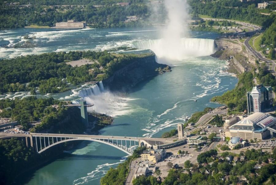 カナダ 観光 ナイアガラの滝
