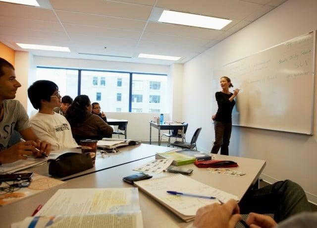 立地の良いロケーションで、外国からきた留学生と交流することができる!