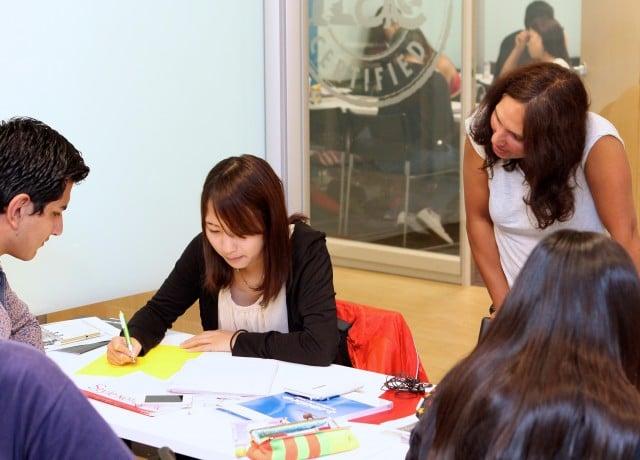 世界75ヶ国から学生が集まる国際色豊かな学校