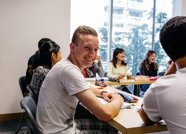 英語習得に欠かせないすべての科目を勉強可能