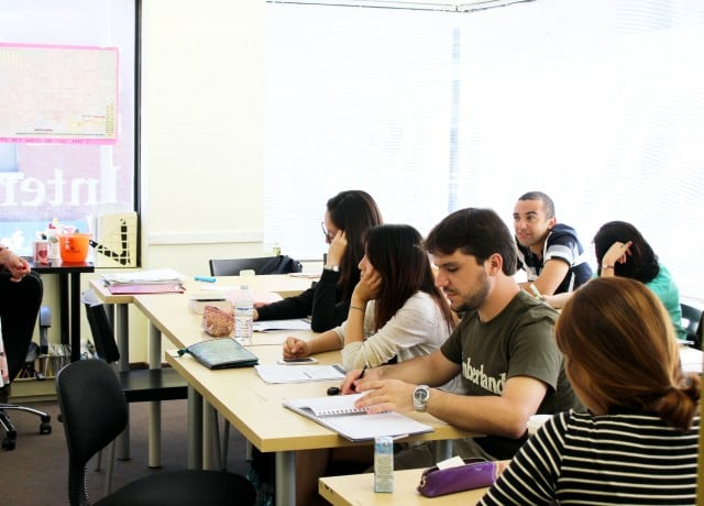 経験豊富な講師陣が生徒ひとりひとりをきちんとフォローアップ!