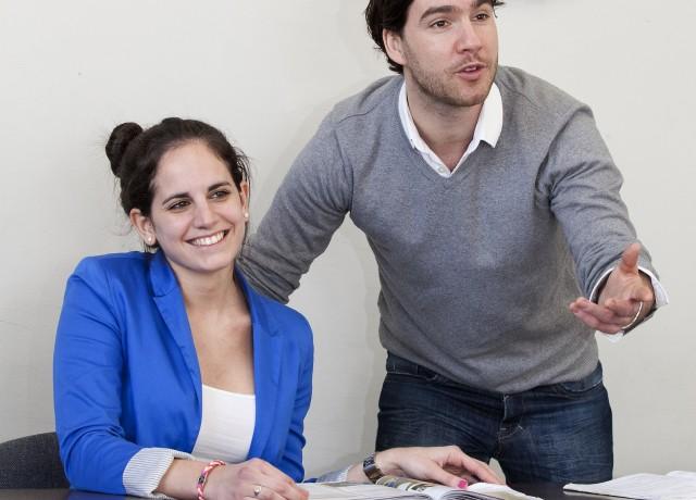 高度な特別資格を保持する経験豊富な講師陣