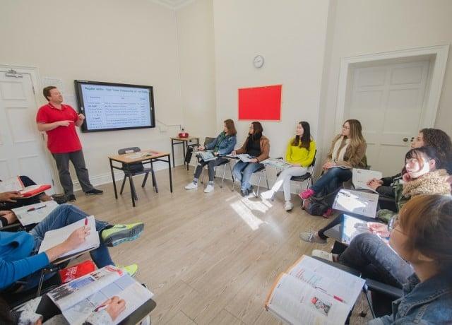 熱心な先生達による質の高い授業と、毎日ある豊富なアクティビティ・勉強会