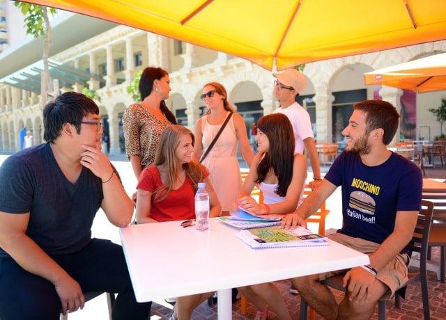 低めの日本人比率 外国人留学生との交流も活発