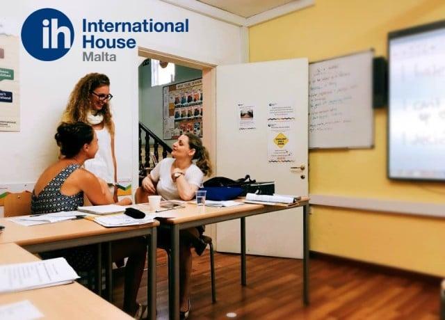 ユニークな授業で英語を楽しく学べる!
