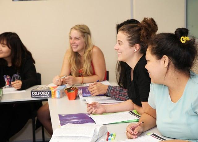 国際豊かな生徒が集まり会話力をアップ