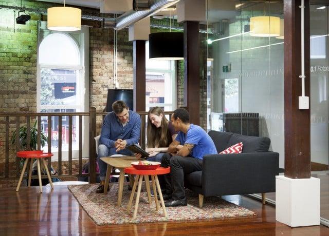 世界70ヵ国以上から留学生が集まる国際色豊かな環境