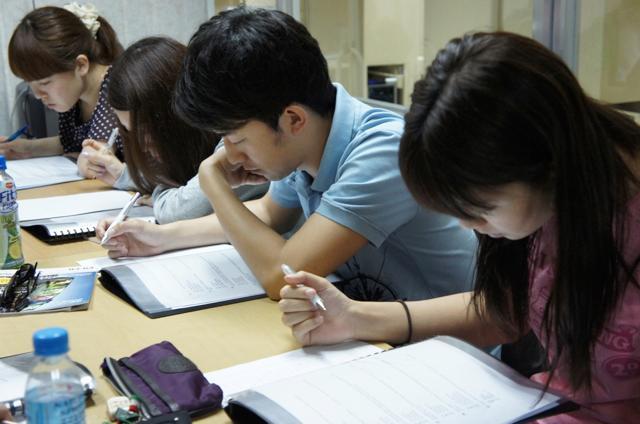 QQ English ITパーク校の授業風景